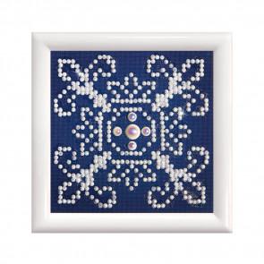 DIAMOND DOTZ m. Rahm weiß, weiß auf blau 9,5x9,5cm  (3 St)