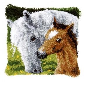 VER Knüpfkissen Stute mit Fohlen